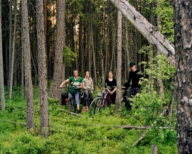 TTommi Taipale, Siiri Anttila, Selja Eskonen and Heikki Tuorila cycling in Russia. Photo: Tommi Taipale